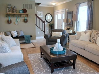 Willow Creek - Entry Way & Living Room